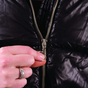 Ring Zipper Aid